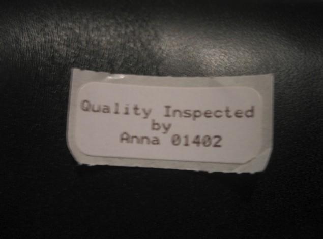 c00e4dab Внутри коробки вложена квитанция с росписью сотрудника контроля качества Red  Wing (в данном случае это некто Anna).